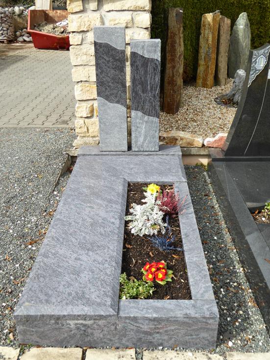 Natursteine-Bina-Einzelgrab-2